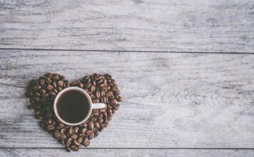 czy kofeina jest bezpieczna, czy kofeina szkodzi, kawa, kawa a odchudzanie, wpływ kofeiny na zdrowie, dieta, odchudzanie