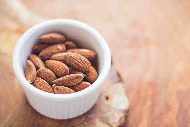tłuszcze, tłuszcze w diecie, omega-3, omega-6, czy tłuszcze są zdrowe, czy tłuszcze tuczą, tłuszcze w diecie, dieta niskotłuszczowa