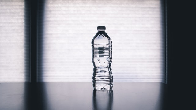 woda, jak pić więcej wody, jak nawodnić organizm, odwodnienie, brak siły, odchudzanie, redukcja, dieta, zdrowa dieta, jak schudnąć