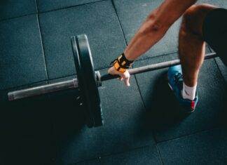 trening na siłowni, trening, trening siłowy, rozgrzewka, plan treningowy, odchudzanie