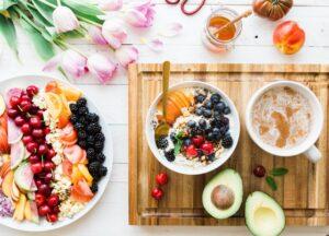 warzywa i owoce, warzywa, owoce, kolory w warzywach i owocach, zielone warzywa, czerwone warzywa, czerwone owoce, zielone owoce