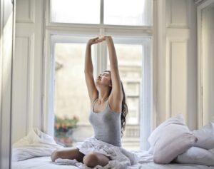 aktywność fizyczna, aktywność w domu, jak się więcej ruszać w domu, trening w domu