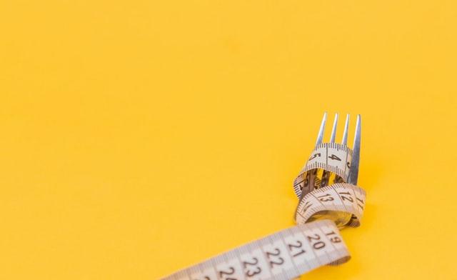 głodówki, dieta głodówkowa, dieta odchudzająca, dieta na redukcję, odchudzanie, dieta 1000 kcal