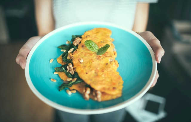 omlet, omlety, jak zrobić omlet, przepis na omleta, zdrowy omlet, omlet na słodko, omlet na wytrawnie, omlet z odżywką białkową, omlet z owocami